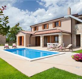 3 Bedroom Istrian Villa with Heated Pool near Sveti Lovrec, sleeps 6-8