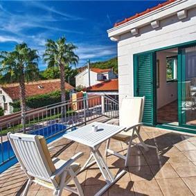 3 Bedroom Villa with Pool in Sumartin on Brac, sleeps 8-10