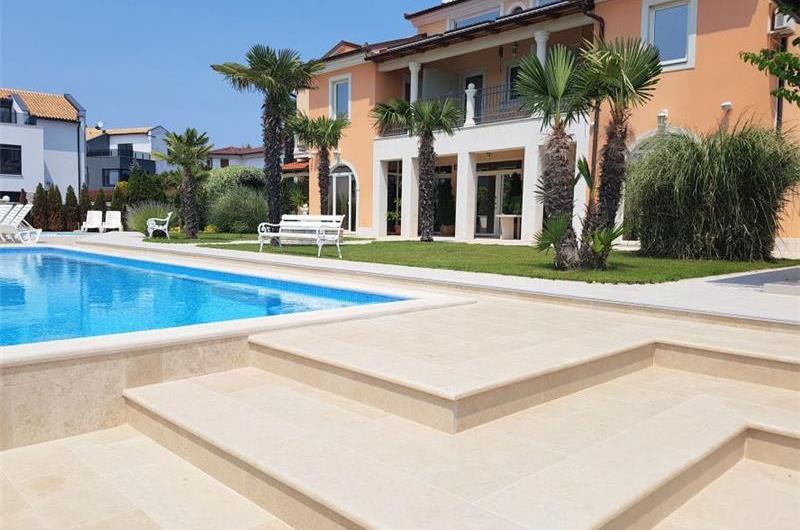 1 bedroom Apartments with pool in Medulin, Sleeps 2-3