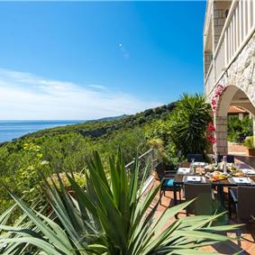 Stunning 4 bedroom Luxury villa near Dubrovnik, Sleeps 8-10
