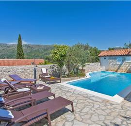9 Bedroom Seaside Villa with Pool in Zaton Bay near Dubrovnik, Sleeps 18-22