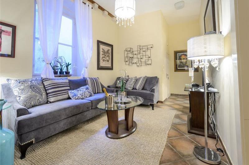 3 Bedroom Apartment in Dubrovnik, Sleeps 6-8
