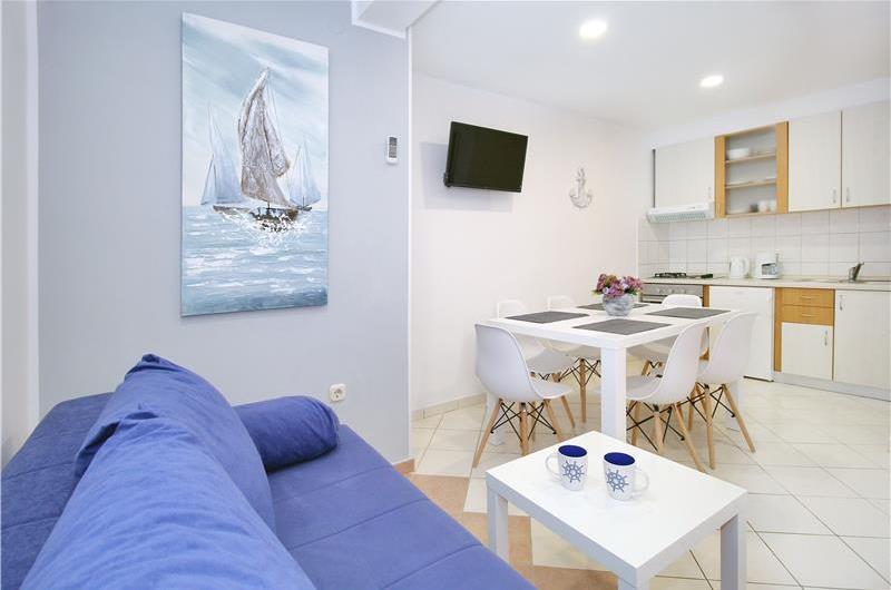 Studio Apartment in Molunat near Dubrovnik, Sleeps 2