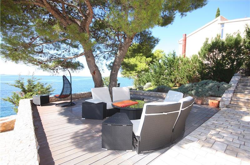 6 Bedroom Luxury Seafront Villa with Pool near Primosten, Sleeps 12