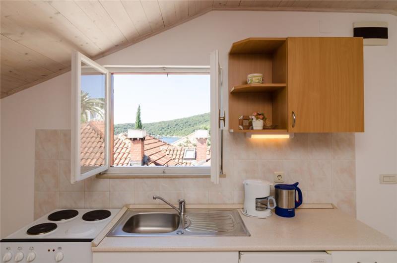1 Bedroom Apartment in Molunat, Sleeps 2-4