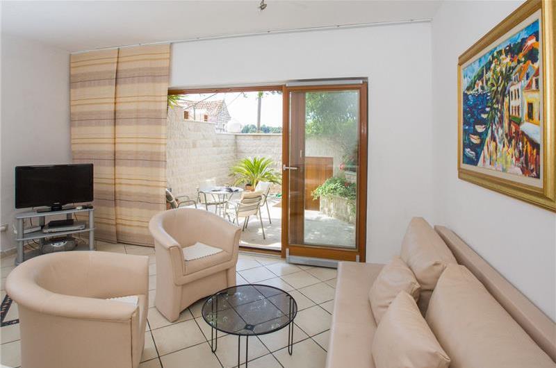 2 Bedroom Villa in Cavtat near Dubrovnik, Sleeps 4-6