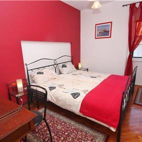 3 Bedroom stone house in Postira on Brac Island, Sleeps 7-8