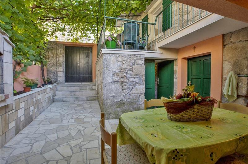 3 Bedroom stone house in Postira on Brac Island, Sleeps 7-8