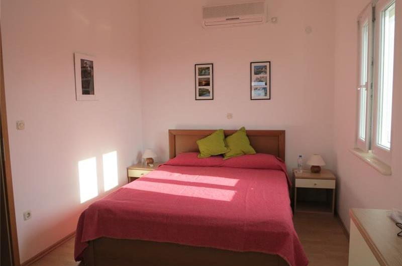 3 Bedroom Duplex Apartment with Sea Views in Sutivan, Brac Island - sleeps 6-7
