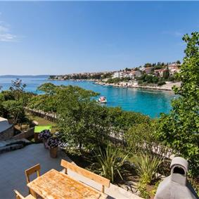 2 Bedroom Apartment with Shared Pool on Ciovo Island, Sleeps 4-6