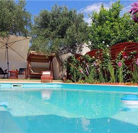 5 Bedroom Villa with Pool in Supetar, Sleeps 10-13