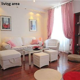 One and two bedroom apartments to rent in Trogir city centre, sleeping 2-6