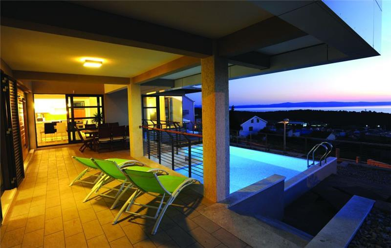 Makarska Villa with Pool and Sea Views, sleeps 10-12