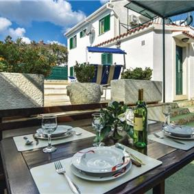 4 Bedroom Villa with Pool and Sea Views on Solta, sleeps 8-10