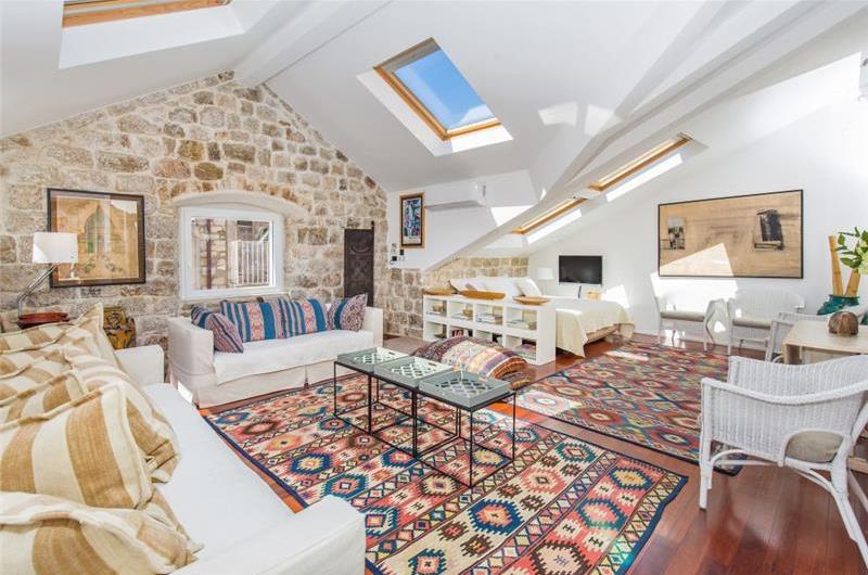 Studio Apartment in Dubrovnik Old Town, Sleeps 2