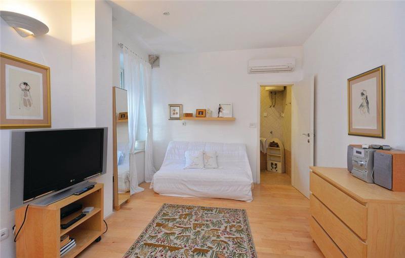 3 Bedroom Town House in Hvar Town, sleeps 6