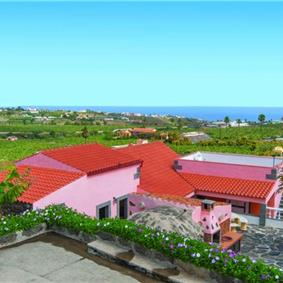 2 Bedroom Villa with Countryside and Sea Views near Arucas, sleeps 6