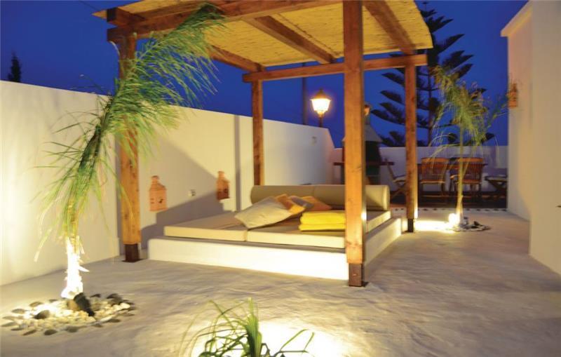 3 Bedroom villa with Pool near Arrecife, sleeps 6