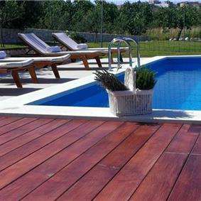 2 Bedroom Villa with Pool and Large Garden in Split, sleeps 4-6