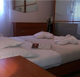 Penthouse apartment in Split city near beach with sea views. Sleeps 6