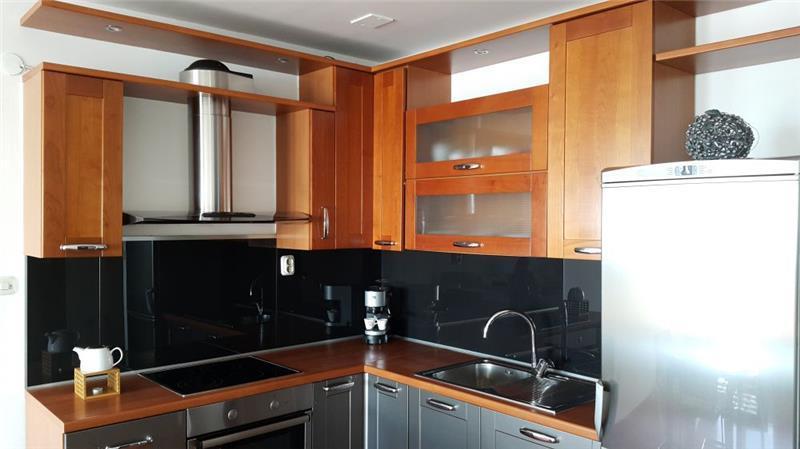 Penthouse apartment in Split city near beach with sea views. Sleeps 6