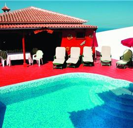 5 Bedroom villa with pool,sleeps 10