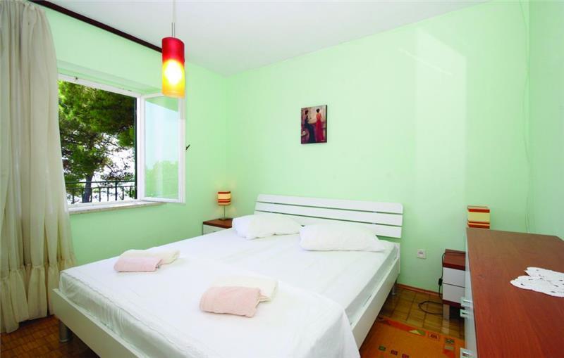 7 Bedroom Seafront Villa near Hvar Town, sleeps 14