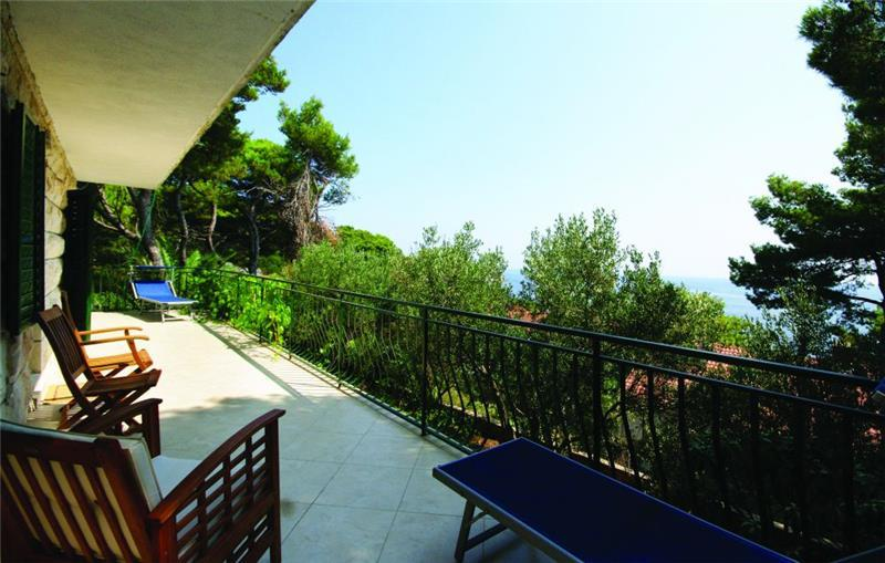 7 Bedroom Seafront Villa near Hvar Town, sleeps 14