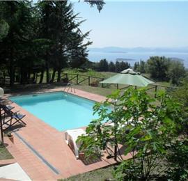 Lovely Spacious 3 Bedroom Villa with Pool and Beautiful Lake Trasimeno Views, Umbria - sleeps 6