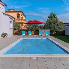 5 Bedroom Villa with Pool on outskirts of Pula, sleeps 9