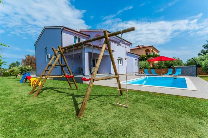 5 Bedroom Villa with Pool on outskirts of Pula, sleeps 9