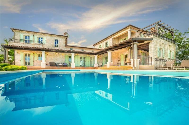 3 Bedroom Elegant Istrian Villa with Pool near Visnjan, sleeps 6-8