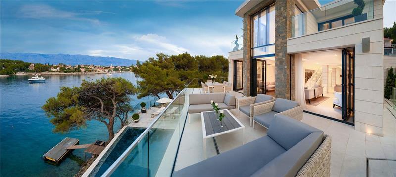 Spectacular 4 Bedroom Luxury Villa with Infinity Pool on Brac Island, sleeps 8