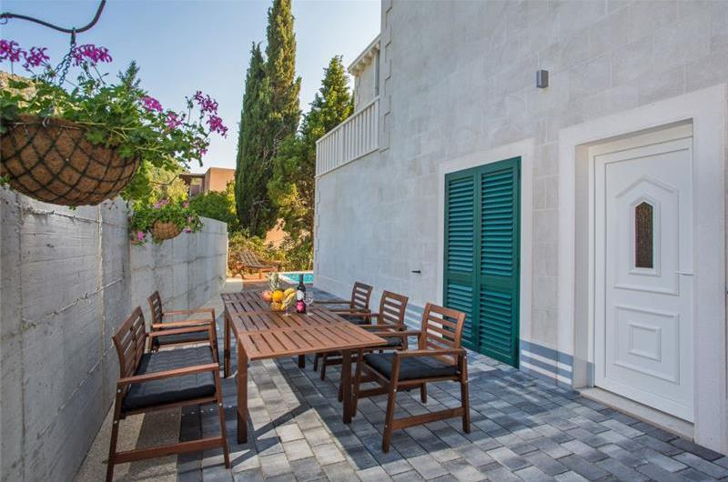 9 bedroom Villa with Pool in Slano, near Dubrovnik – sleeps 18-23