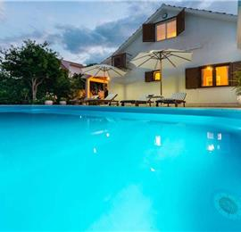 Modern 4 bedroom Villa with Pool in Orebic, Peljesac - sleeps 8