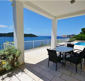 2 Bedroom Villa with pool in Dubrovnik, Sleeps 4