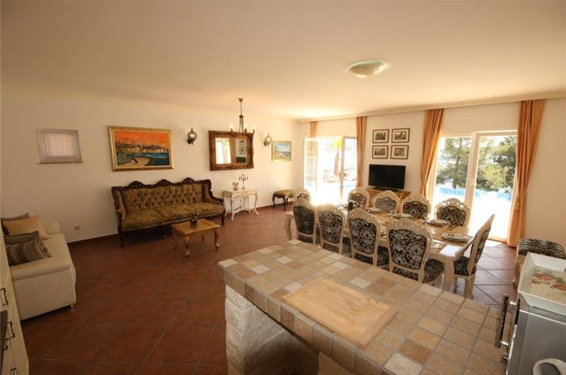 5 bedroom Seaside Villa with Infinity Pool in Marina, near Trogir, Sleeps 10