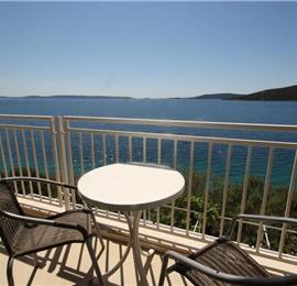 3 Bedroom Sea Front Apartment near Trogir sleeps 6