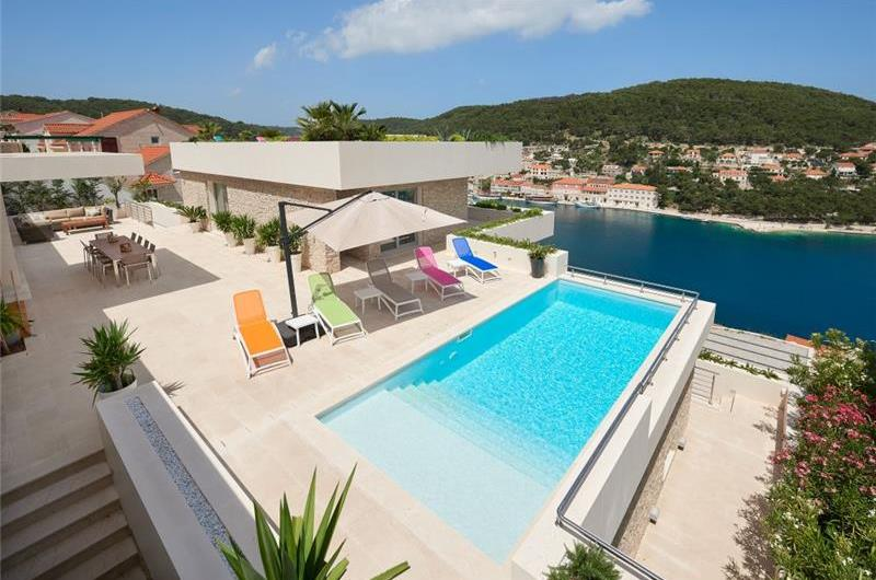 Luxury 6 Bedroom Villa with Heated Pool and Sea Views in Puscica, Brac Island - Sleeps 14-18