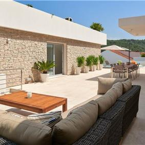 Luxury 6 Bedroom Villa with Heated Pool and Sea Views in Pucisca, Brac Island - Sleeps 14-16