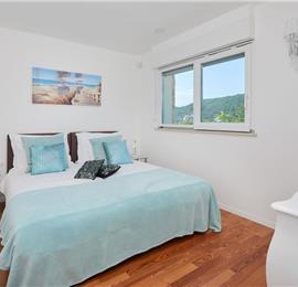 Luxury 6 Bedroom Villa with Heated Pool and Sea Views in Pucisca, Brac Island - Sleeps 14-18