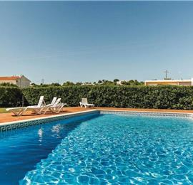 3 Bedroom Villa with Pool near Praia dos Salgados, sleeps 6