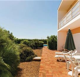 3 Bedroom Villa with Pool near Praia dos Salgados, sleeps 6