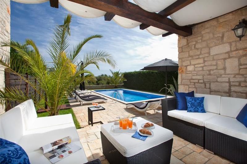 4 Bedroom Villa with Heated Pool in Filipini near Porec, sleeps 8-9