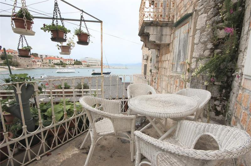 4 bedroom Villa with Sea Views in Postira, sleeps 8-9
