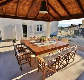 4 Bedroom Villa with Large Pool near Split, sleeps 9