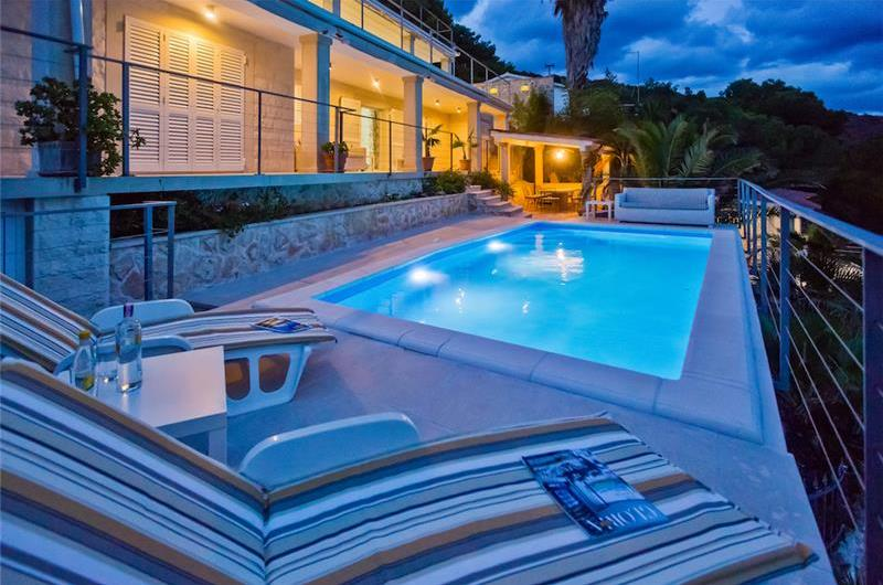 Luxury 5 Bedroom Seafront Villa with pool and Separate Apartment along Secluded Beach near Hvar Town, Sleeps 10-12