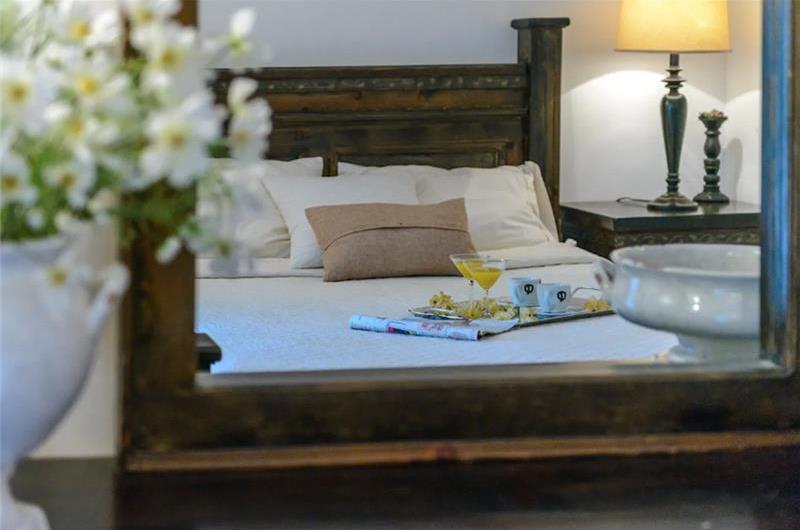 4 Bedroom Villa with heated Pool near Dubrovnik, Sleeps 8-10