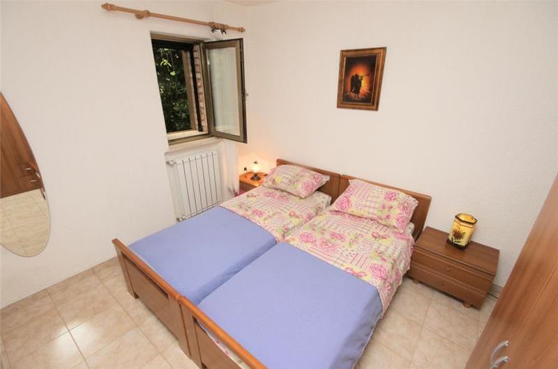 3 Bedroom traditional Istrian Villa with Pool and Rovinj views, sleeps 6-8