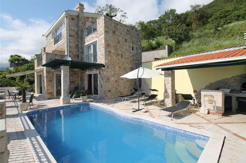 4 Bedroom Villa with Pool near Budva, sleeps 8